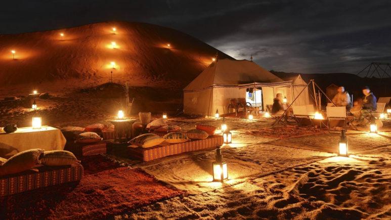 Ночуем в рыжих дюнах Сахары у берберов