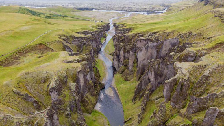 Iceland-Fjadrargljufur-Canyon (1)