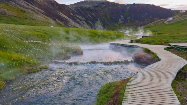 Геотермальные реки и лагуны