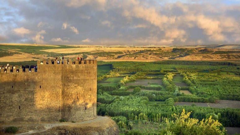 Столица турецкого Курдистана - Диярбакыр и Сады Эдема