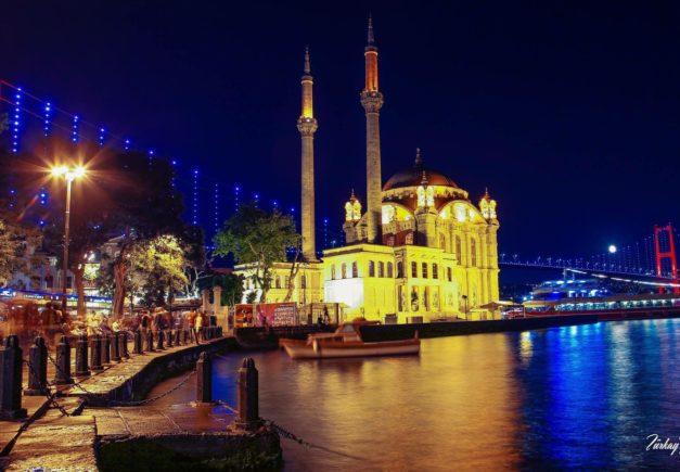 Turkey_Istanbul_ortakoy mosque_night.