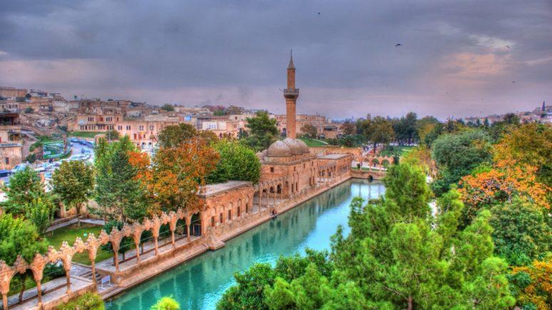 Turkey_Sanliurfa_Balikligol (2)_tn