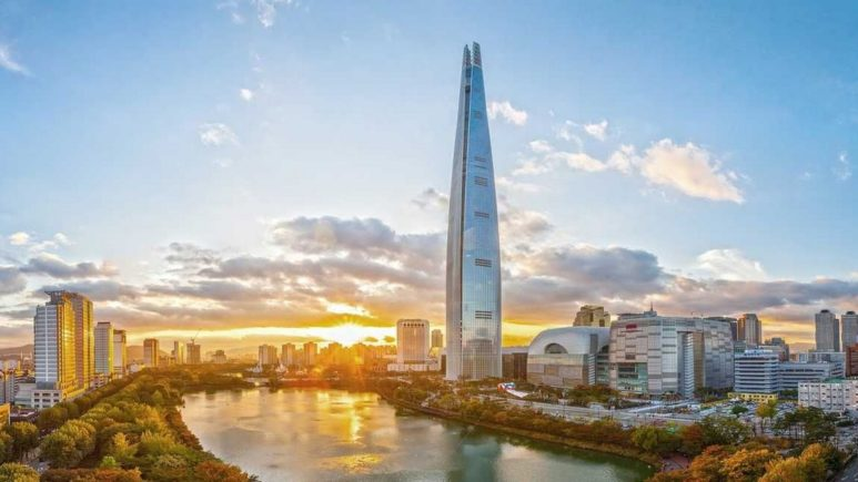South-Korea-Seoul-Lotte-World-Tower-View (1)