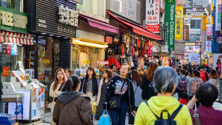 Рай для шоппинга на Myeongdong Street