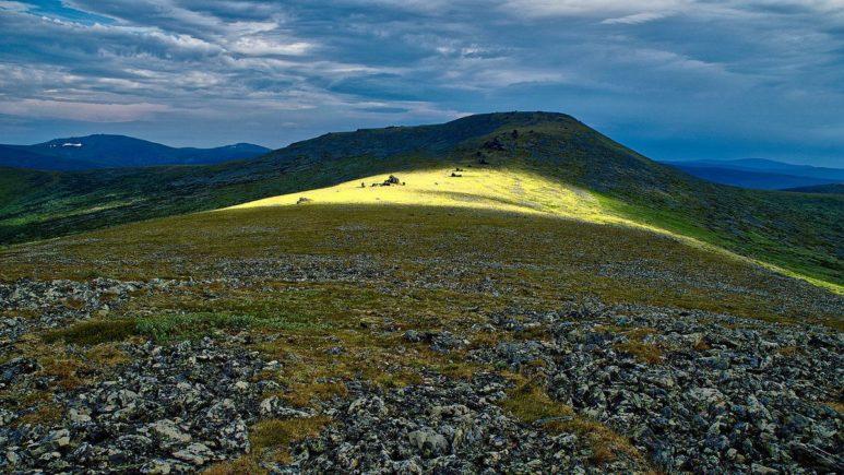 Виды далёкой горы Отортен
