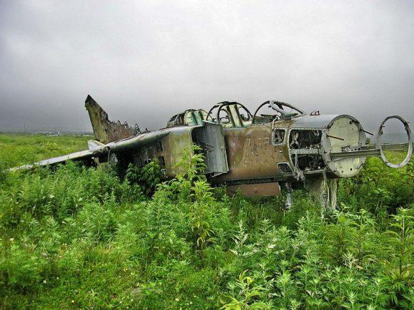 Russia-Kuril-Islands-Iturup-Kasatka-Bay-Burevestnik-Airfield (2)