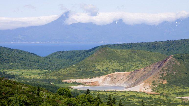 Кунашир: виды на Японию с вулкана Головнина
