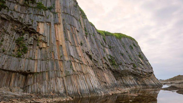 Кунашир: базальтовая гармония на Мысе Столбчатый