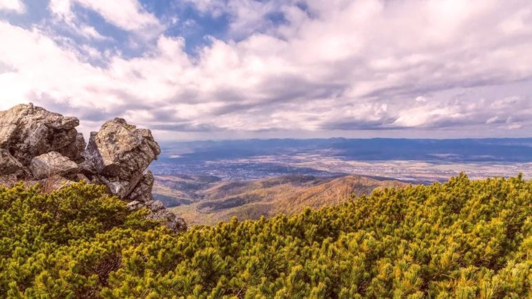 Южно-Сахалинск с высоты Пика Чехова
