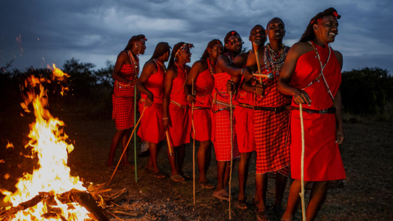 Знакомимся с обычаями масаев в Масаи Мара